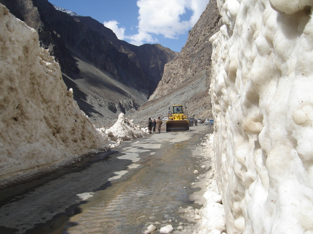 gilgit hunza road - Gilgit:x