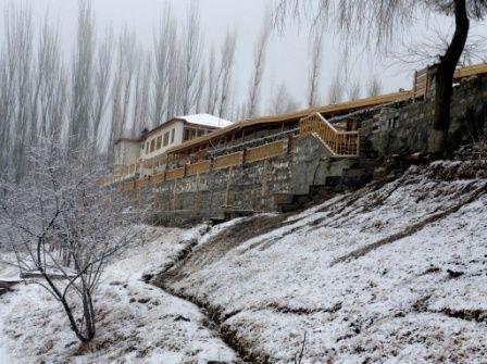 snowfall-at-hunzabaltit-inn